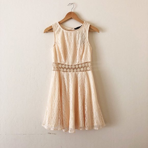 ASOS New Look Crochet Lace Daisy Skater Dress